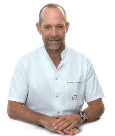 Профессор Федерико Эрнандес Альфаро