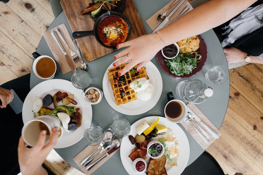 Испанские ученые заявили о вреде позднего завтрака